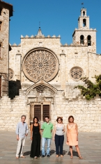 Ante el Monasterio